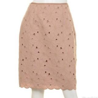 アプワイザーリッシェ(Apuweiser-riche)の新品☆アプワイザーリッシェ☆フラワー刺繍スカート(ひざ丈スカート)