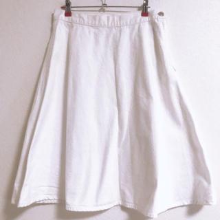 ジーユー(GU)のGU スカート 白(ひざ丈スカート)