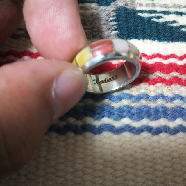 Indian(インディアン)のとら様専用インディアンジュエリー ズニ族 インレイ シルバーリング 指輪 11号 レディースのアクセサリー(リング(指輪))の商品写真