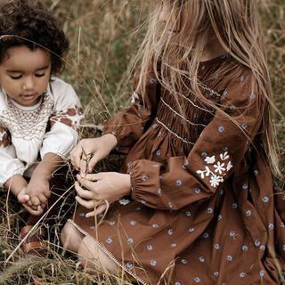キャラメルベビー&チャイルド(Caramel baby&child )のApolina KARI DRESS - BLUEGRASS PRINT (M)(ワンピース)