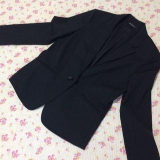 ニジュウサンク(23区)の 23区 パンツスーツ 40 W78 OL 黒 就活 大きい ビジネス(スーツ)