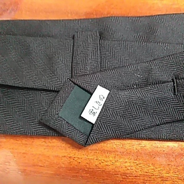 TETE HOMME(テットオム)のブラック☆ネクタイ  新品未使用シルク 日本製 メンズのファッション小物(ネクタイ)の商品写真