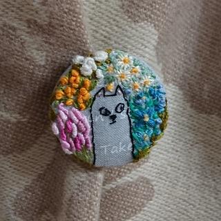 刺繍ブローチ お花と猫(ブローチ/コサージュ)