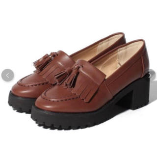 ナイスクラップ(NICE CLAUP)のNICE CLAUP タッセル付きローファー(ローファー/革靴)