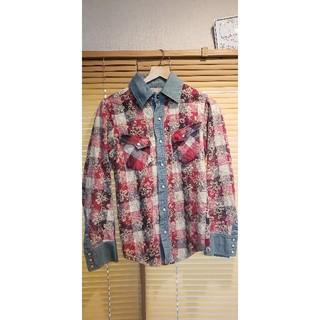 アユイテ(AYUITE)のアユイテAYUITE 花柄刺繍シャツ(シャツ)