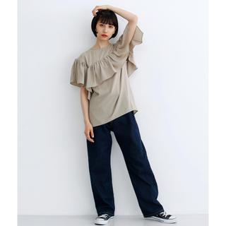 メルロー(merlot)のアシメヨークフリルカットソー(シャツ/ブラウス(半袖/袖なし))