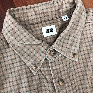 ユニクロ(UNIQLO)のシャツ 長袖 襟付き(シャツ)