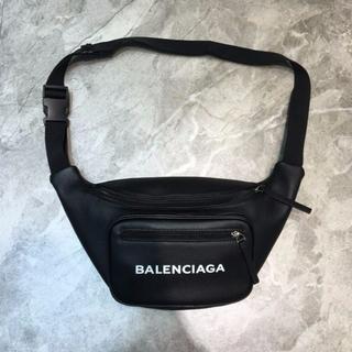 バレンシアガ(Balenciaga)のbalenciaga バレンシアガ 素敵なウエストポーチ(ボディバッグ/ウエストポーチ)