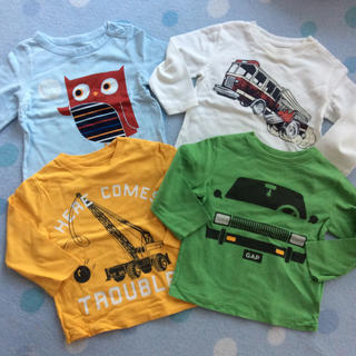 ギャップ(GAP)のGAP長袖Tシャツ 男の子 車 4枚セット サイズ80(Tシャツ)
