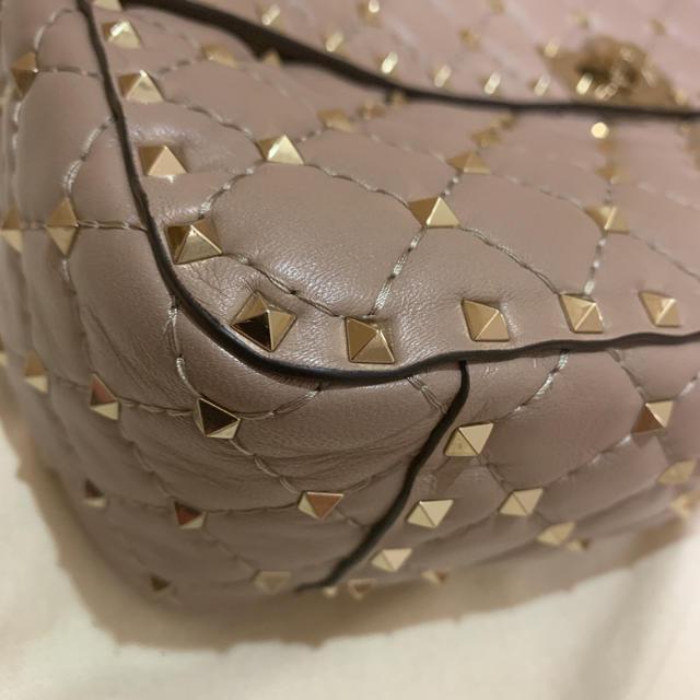 valentino garavani(ヴァレンティノガラヴァーニ)の✨かなえさま専用 ほぼ未使用 スタッズバッグ✨ レディースのバッグ(ショルダーバッグ)の商品写真