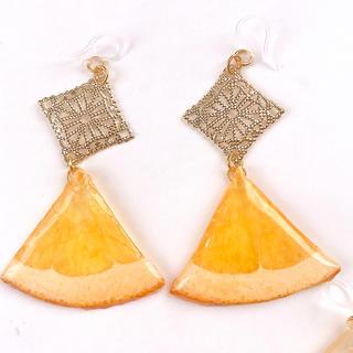 ゆらゆらゴールドオレンジ ピアス イヤリング(ピアス)