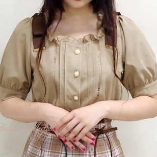アマベル(Amavel)の【美品】Amavel リボン付きブラウス(シャツ/ブラウス(半袖/袖なし))