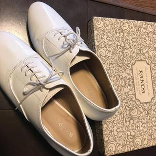 ランダ(RANDA)のRANDA シューズ 白(ローファー/革靴)