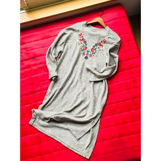 メルロー(merlot)のメルロー  花刺繍 フリースワンピース merlot(ロングワンピース/マキシワンピース)