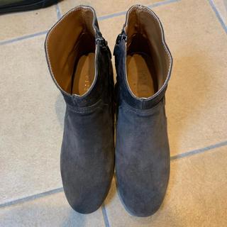 ヌォーボ(Nuovo)の最終値下げ!ショートブーツ グレー 24(ブーツ)