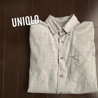 ユニクロ(UNIQLO)のコーデュロイ調シャツ(シャツ)