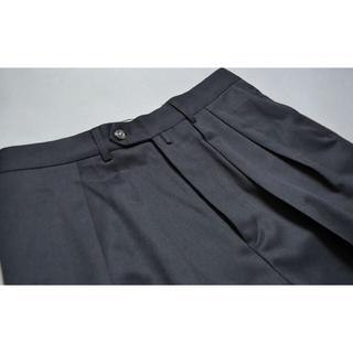 コモリ(COMOLI)のタグ付 NEAT NEAT TOKYO ニート スラックス パンツ 46(スラックス)
