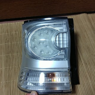 ダイハツ - ダイハツ タントカスタムL375S 純正左LEDテールユニット