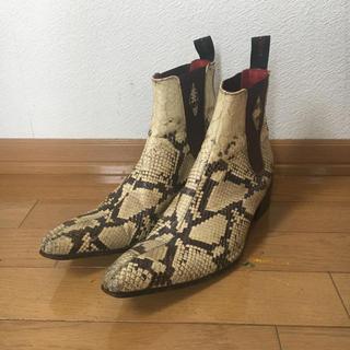 ジョンローレンスサリバン(JOHN LAWRENCE SULLIVAN)のパイソン柄 サイドゴアヒールブーツ (ブーツ)