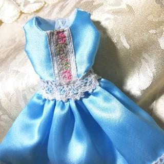 バービー(Barbie)のハンドメイド バービーサイズ ブルードレス(ぬいぐるみ/人形)