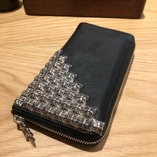 クロムハーツ(Chrome Hearts)のクロムハーツ デストロイレザー ピラミッド ウォレット 財布(長財布)