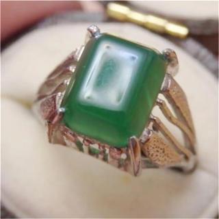 即購入OK●V010昭和レトログリーンストーン透かしシルバーリング指輪(リング(指輪))