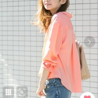 サニーレーベル(Sonny Label)のsunnylabel サーモンピンクシャツ(シャツ/ブラウス(長袖/七分))