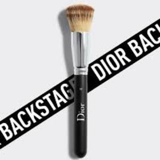 ディオール(Dior)の【Dior】バックステージ フルイド ファンデーション ブラシ フルカバー(その他)