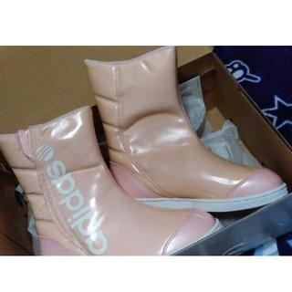 アディダス(adidas)の【新品】adidas ブーツ 22cm(ブーツ)