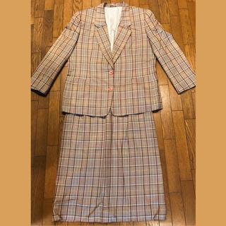 バーバリー(BURBERRY)のバーバリー レディーススーツ シルク混 チェック柄 大きめサイズ(スーツ)