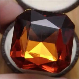 即購入OK*B品深いオレンジ特大ストーンのゴージャスリング指輪大きいサイズ(リング(指輪))