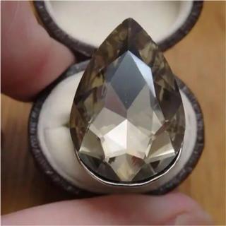 即購入OK*B品ライトイエロー特大ストーンのゴージャスリング指輪大きいサイズ(リング(指輪))