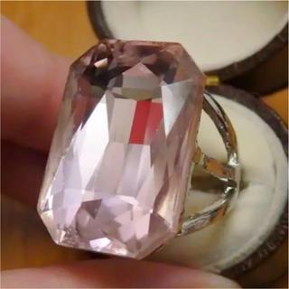 即購入OK*B品ライトピンク特大ストーンのゴージャスリング指輪大きいサイズ(リング(指輪))