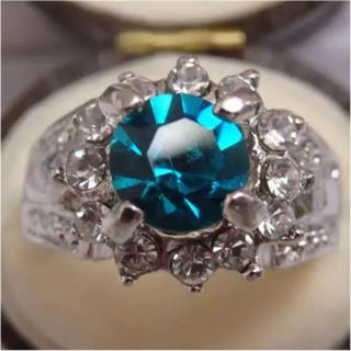 即購入OK*深いブルーのパライバのようなシルバーカラーリング指輪大きいサイズ(リング(指輪))