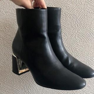 ザラ(ZARA)のZARA太ヒールショートブーツ(ブーツ)