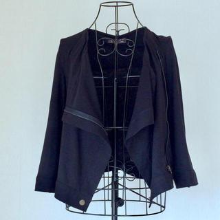 エーティー  ライダース風 ジップアップカットソー  七分袖 ブラック