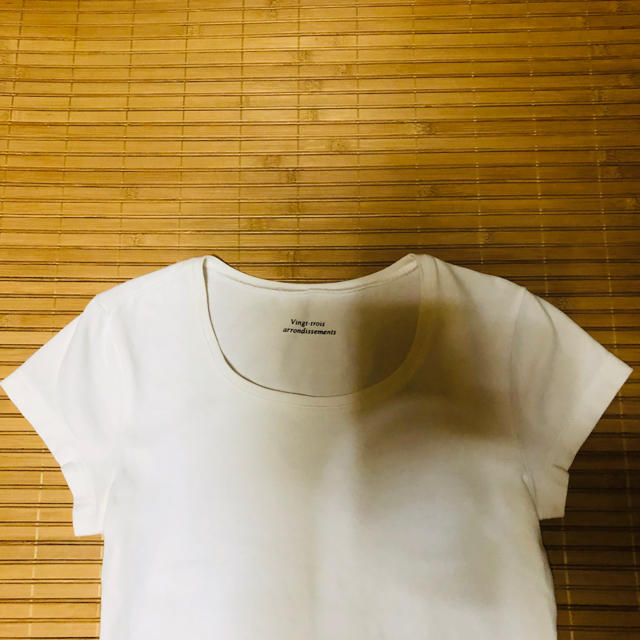 23区(ニジュウサンク)の美品23区小さいサイズ 白カットソー32 レディースのトップス(カットソー(半袖/袖なし))の商品写真