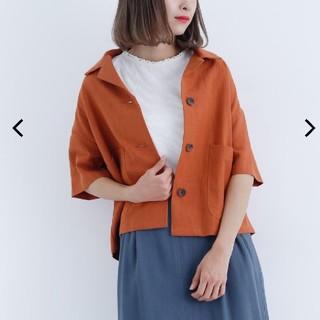 メルロー(merlot)のオープンカラーリネンシャツ(シャツ/ブラウス(半袖/袖なし))