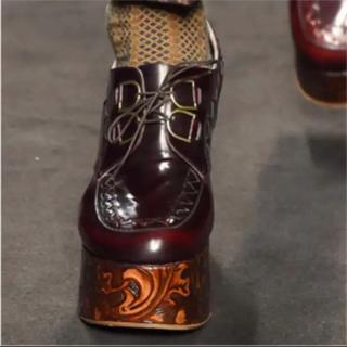 ヴィヴィアンウエストウッド(Vivienne Westwood)の超レア!日本未入荷!Vivienne厚底シューズ(ローファー/革靴)