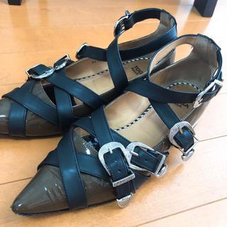 トーガ(TOGA)のTOGA PULLA クロスストラップフラットシューズ(ローファー/革靴)
