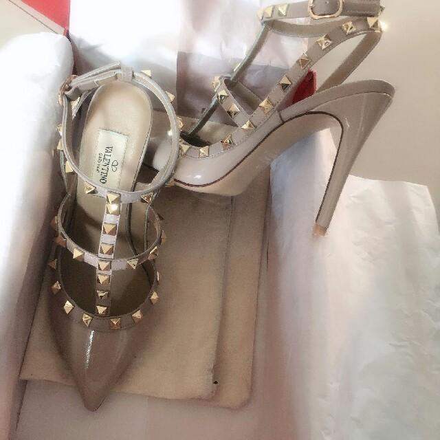 valentino garavani(ヴァレンティノガラヴァーニ)のバレンティノ Valentino スタッズ パンプス  レディースの靴/シューズ(ハイヒール/パンプス)の商品写真