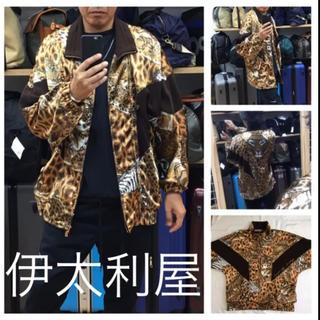 ◆伊太利屋◆アニマル ヒョウ柄 タイガー サテン ニット ブルゾン ジャケット(ブルゾン)