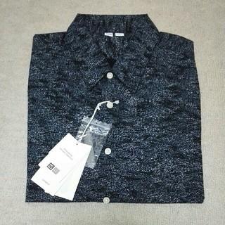 ユニクロ(UNIQLO)のUNIQLO U メンズ プリント半袖シャツ(シャツ)