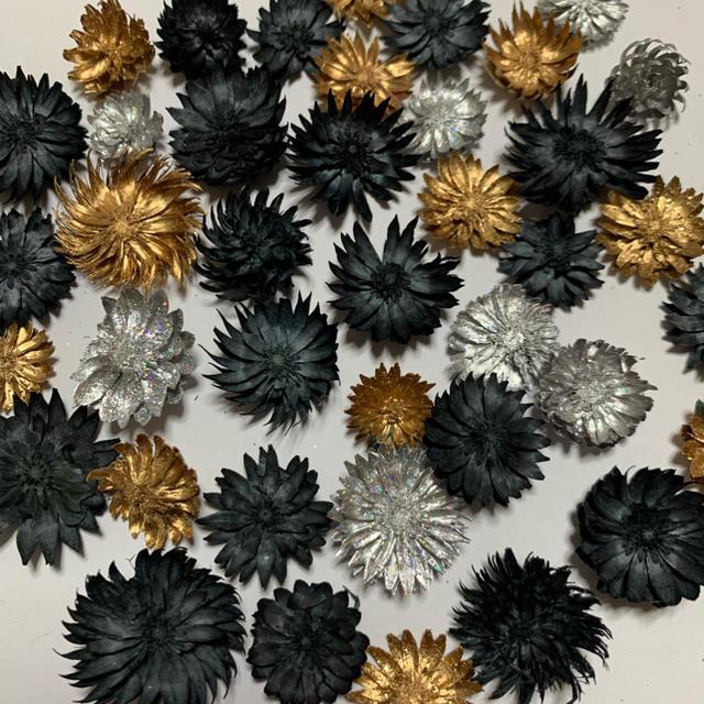 チーゼルフラワー モノトーン ゴールド シルバー 40輪 ハーバリウム花材 ハンドメイドのフラワー/ガーデン(ドライフラワー)の商品写真