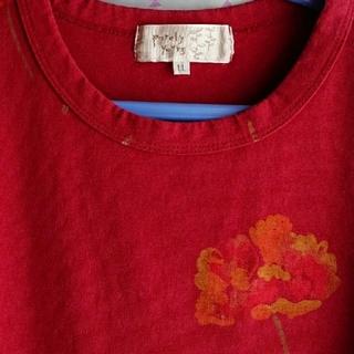 Tシャツ 赤(えんじに近い)にオレンジ花柄 綿100% 生地しっかり サイズLL(Tシャツ(半袖/袖なし))