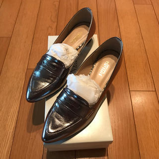 ザラ(ZARA)のZARA  シルバーローファー(ローファー/革靴)