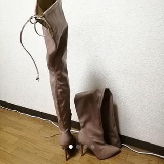 フォーエバートゥエンティーワン(FOREVER 21)のフォーエバー21ブーツ(ブーツ)