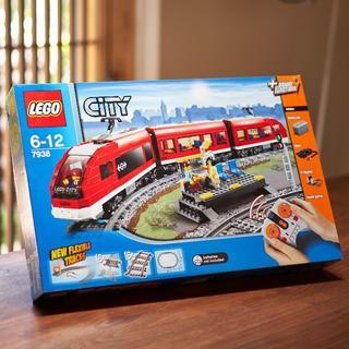 レゴ(Lego)のLEGO 7938 CITY Passenger Train(知育玩具)