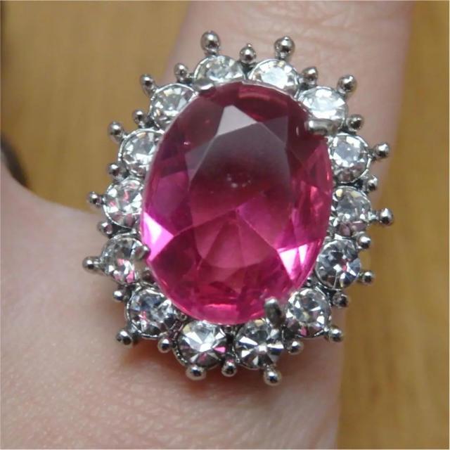 即購入OK*ピンクストーンゴージャスリング指輪 レディースのアクセサリー(リング(指輪))の商品写真