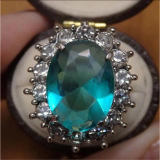 即購入OK*エメラルドグリーンストーンゴージャスリング指輪(リング(指輪))